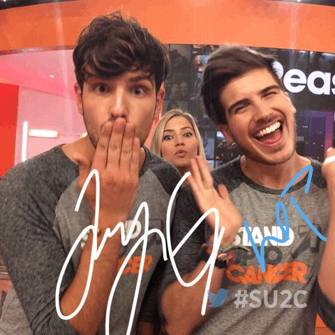 Standing up to cancer with @misterpreda, @JoeyGraceffa (& @ijustine) in the hub at the #SU2C show. https://t.co/ozZZ5KdRii