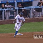 Andrew Toles with his first career triple! 🏃 https://t.co/lGyEVmydyv
