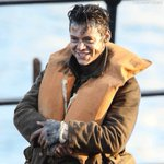 #Gif | A very happy Harry on set of Dunkirk. It was honestly great to see him having a good time on the set • 28/7 https://t.co/IlwC1FlC8J