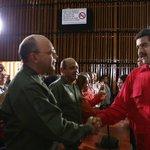 """El Camino para el desarrollo de una nueva economía está aquí en el Plan de la Patria en la #AEB"""" #Maduro https://t.co/HNl0uZK57P"""