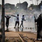 Gabon: affrontements après lannonce de la réélection de #Bongo Photos @mlongari #AFP https://t.co/xdLUMsM20n