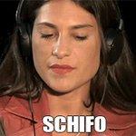 Io quando ho visto il bacio tra Nicole ed Ezra:   #PrettyLittleLiars #pll https://t.co/k4Dq7vNzg5