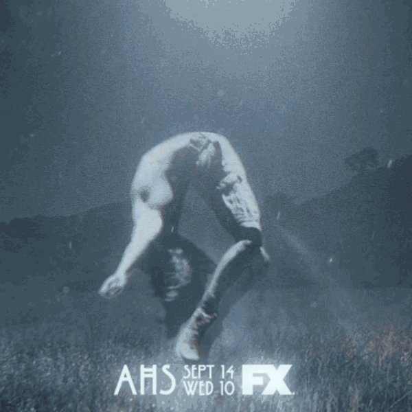 The next chapter of @AHSFX premieres tonight. Watch it, then experience the twisted world of #AHSFX @ #UniversalHHN! https://t.co/bCiqi3zrWy