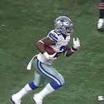 Ezekiel Elliot is good at hurdling things: https://t.co/YwOrFMHHhT https://t.co/UE39SH91Js