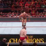 Tope Suicida to the floor takes out @WWESheamus, but @WWECesaro crashes head-first to the mat!! #WWEClash #BestOf7 https://t.co/XE4FE4P7c1