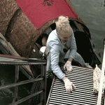 È bella, brava, buona e generosa… Torna a #pechinoexpress LA MARCHESA D'ARAGONA! ☂️ https://t.co/l8GBXsqllH