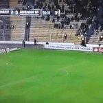 #VideoViral | ¡Impactante! Captan a fantasma en partido de fútbol.  Las imágenes► https://t.co/xH3tnOLgAc https://t.co/7cG7szIdrH