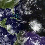 Animación de la tormenta tropical #Matthew entrando al Caribe Occidental https://t.co/NnivTDI6Y4