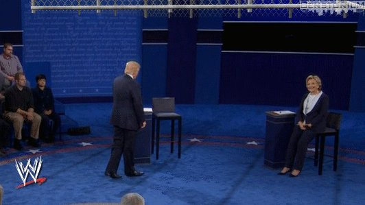 Mah gawd, they're lowering the steel cage! #debate https://t.co/dZI6dQAfVj