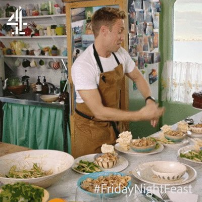 SERVICE!!!   @RussellHoward #FridayNightFeast https://t.co/G5CDLoxjrq