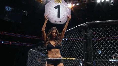RT @ufc: The beautiful Arianny gets round 1 underway ????  @AriannyCeleste #UFC235 https://t.co/Taz7RSc8ui