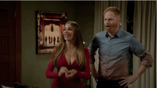 RT @jessetyler: when @ArianaGrande comes on... https://t.co/eTuz8z5z61