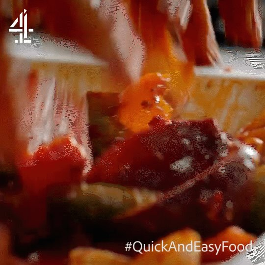 This one's for the messy cooks out there!   #QuickAndEasyFood https://t.co/wMQ1wzNHc9