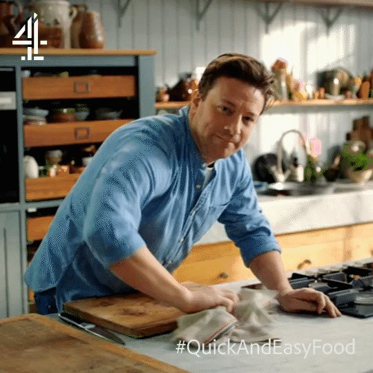 That's all, folks!   #QuickAndEasyFood is back on @Channel4 at the same time next week. https://t.co/UGg0KYhFH3