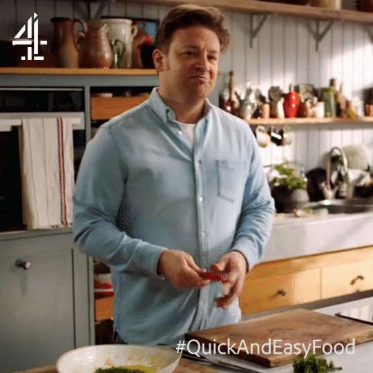 STOP! Chilli time ???????????? Here's a quick tip…   #QuickAndEasyFood https://t.co/ENQFsZtcNY