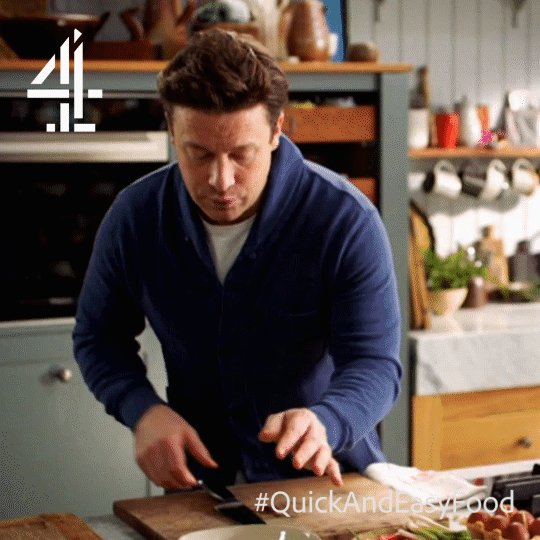 What's making Jamie dance like THIS?!   Watch #QuickAndEasyFood on @Channel4 in 5 mins to find out… https://t.co/VtLgqLUsyS