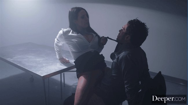 """O yeah... When @ANGELAWHITE controls @thesmallhands_ for get some information in @deeper_official's """"Diabolique Part 2"""" 😈"""