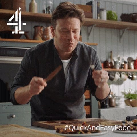 Show us your Friday dance in a gif…   #FridayFeeling #QuickAndEasyFood https://t.co/vVzUxzAb8Y