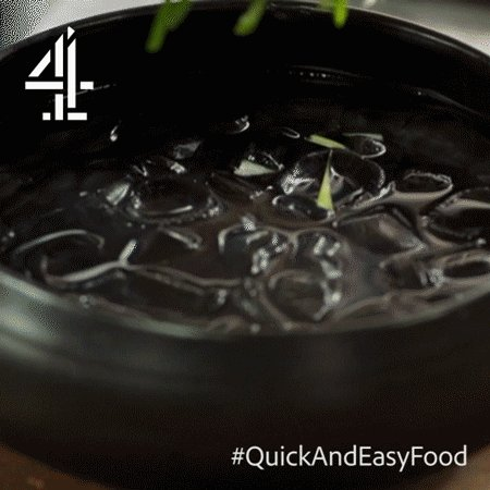 #Tip ALERT: For curly, bonkers, crunchy veg, simply place it in ice cold water! #QuickAndEasyFood https://t.co/gcbB8KrZ6X