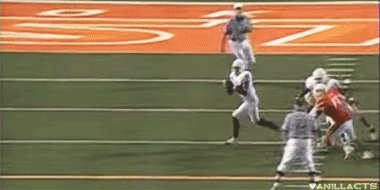 Happy 34th birthday Vince Young. This is still 1 of the sickest pump fakes I have ever seen.