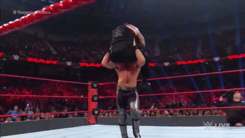 BUCKLEBOMB! SUPERMAN PUNCH! WHAT DID WE JUST WITNESS?! #RAW #ReignsvsRollins @WWERollins @WWERomanReigns