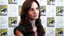 Happy Birthday to the lovely Sarah Wayne Callies