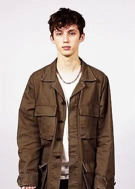 Happy birthday to the sweetest boy, troye sivan. i love you sm and can\t wait to see you again in concert soon.