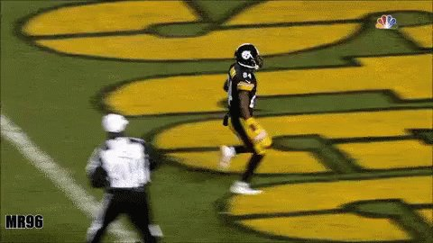Happy birthday to the best receiver and my favorite player, Antonio Brown!