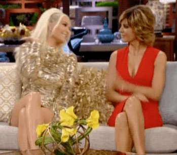 Happy Birthday to @erikajayne! ????????????????????????????????????❤️???????? #cancergirls ???????? https://t.co/kVISKuOouq