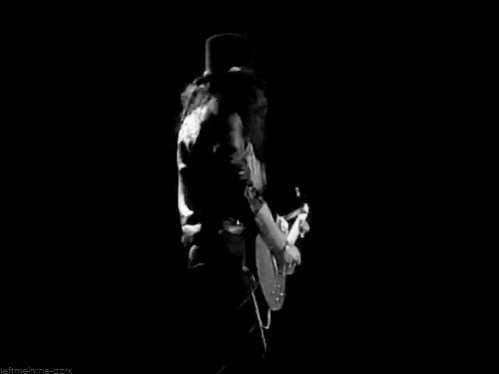 Happy 52nd birthday to Slash, one of the most iconic guitarists of all time!