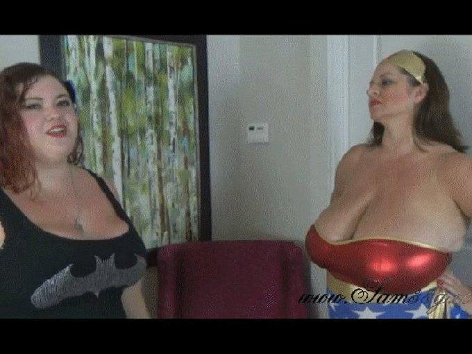 There is all kinds of fun on https://t.co/t8IJFOAKbJ with @MsMariaMoore #queen #bbw #bigboobs #twitterafterdark