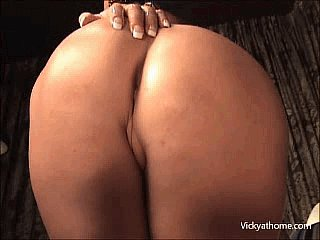 For those who can give a sh*t about the #Eclipse Monday ... here's my #ass .... rt  https://t.co/4Uvx4JJc5B