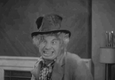 MFW I discovered my millennial coworkers don't know about the #MarxBrothers. #TCMParty https://t.co/Qvg3UzYuew