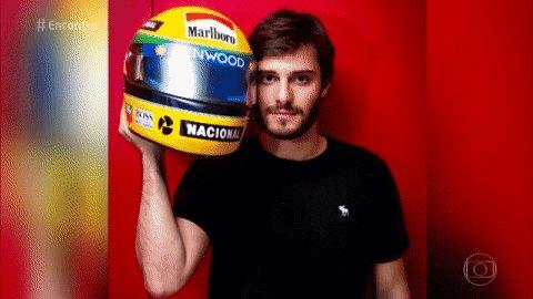 RT @EncontroFatima: GRITOOO! O @hugobonemer vai interpretar o Ayrton Senna ♥ Mas só em novembro ;) #Encontro https://t.co/fs81ZaJytQ