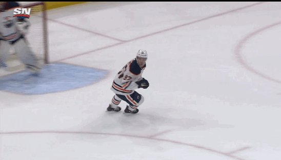 RT @BradyTrett: Connor McDavid with one of the best assists you'll see this season https://t.co/uRazZRGcPp