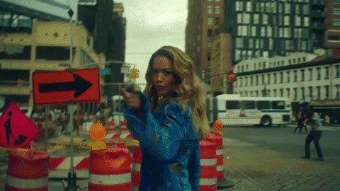 RT @MTVUK: ???????? @RitaOra makes New York her wonderland in the 'Anywhere' video ???? >>> https://t.co/v9j0ryuZhz https://t.co/Mlo4q597ch