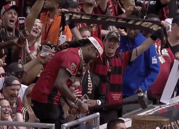 #ATLvTOR feat. @2chainz 👌Gettin' things started right on #DecisionDay by @ATT.