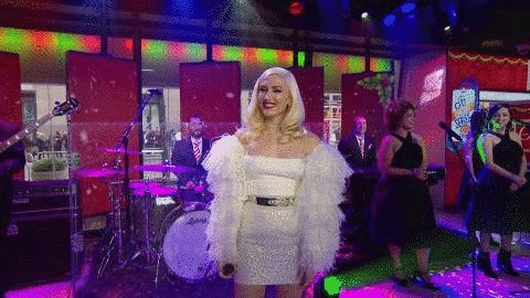 Thank you for bringing the Christmas spirit to Studio 1A this morning, @gwenstefani!