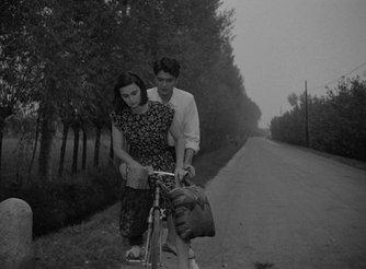 RT @lukas_corso: Gli sbandati- Lucia Bosè Jean Pierre Mocky 1955 by Francesco Maselli https://t.co/aWgjjm8YRA