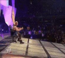 RT @smFISHMAN: When you remember @steveaustinBSR is on #Raw tonight. #WWE #RAW25 #MondayMotivation https://t.co/ec4ixJQ6o6