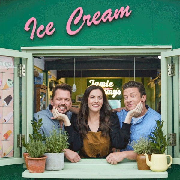 Missed @LivTyler on this series of #FridayNightFeast?! Fear not, it's back on tonight - @Channel4, 8pm! https://t.co/4DkhPC5VbE