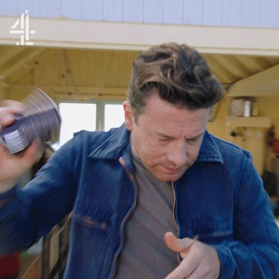 Did Jamie just shake his cans at you?! #FridayNightFeast https://t.co/IBhkJ5mN9f