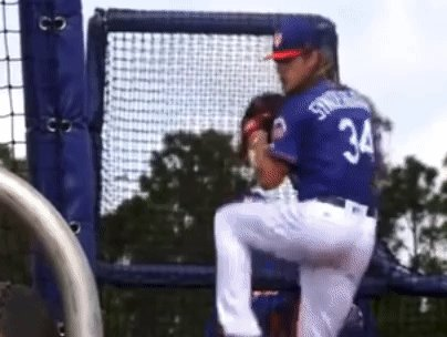 RT @PitchingNinja: Noah Syndergaard, Arm Action (front view/live bp). https://t.co/Awtv0XsmfD