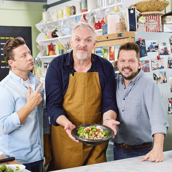 A @gdavies inbetween(ers) two thorns! ???? Back on at 8pm tonight, @Channel4's #FridayNightFeast. https://t.co/zt9ylfzWLr