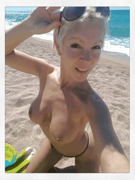 No he podido resistirme! 😈🌝 #Milf #Boobs #Ass #Beach  #BeachBody hA7z2ezavZ