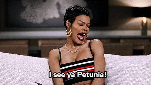 "RT @DeAhnaR: she be having me dead when she says ""petunia"" ???????????????????????? @TEYANATAYLOR https://t.co/NWK6xPnQ4W"