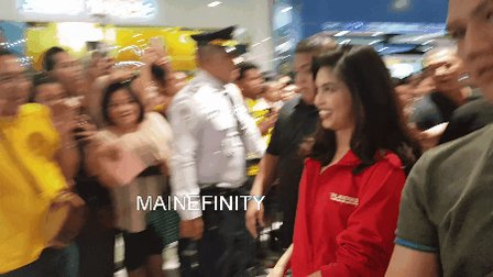 RT @MAINEfinity_OFC: That moment when you saw your number 1 fan @mainedcm ❤👨  #PlatinumKaraokeMaine https://t.co/RYDoZrz0uH