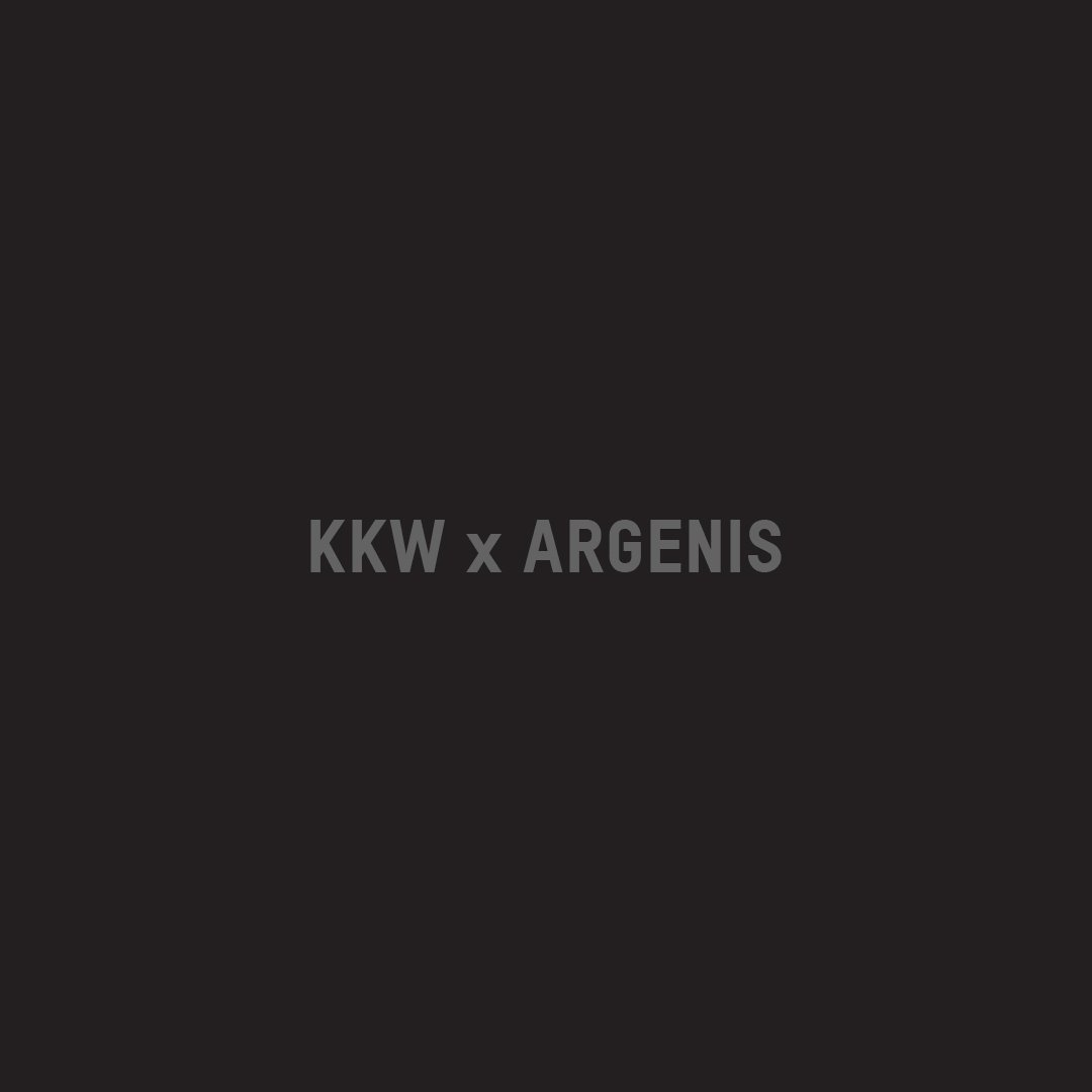 RT @kkwbeauty: #KKWXARGENIS IS AVAILABLE FOR PURCHASE TODAY AT 12PM PST AT https://t.co/32qaKbs5YG #KKWBEAUTY https://t.co/CAWK9KfDtx