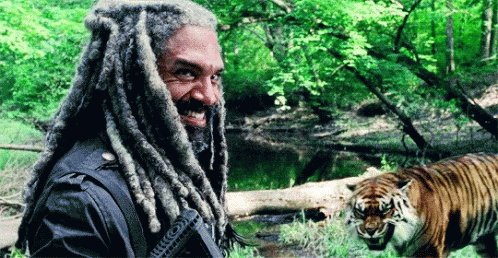 Happy birthday to the almighty King Ezekiel, Khary Payton! Yet he smiles.
