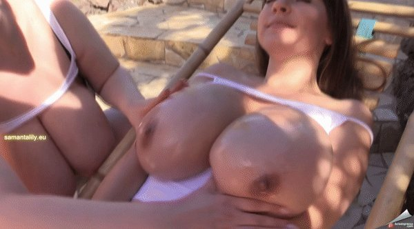 RT @boobster: @Sexy_Lovely_Sam & @Micky_Bells Big Boobs Outdoor Massage ➡️ https://t.co/4Vgro4LNJq https://t.co/LcwzzdPA2j